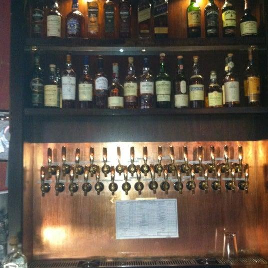 Foto diambil di Beer Authority NYC oleh Orlando B. pada 5/9/2012