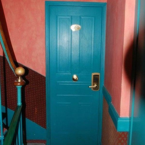 Photo prise au Hôtel des Deux Continents par Matthew H. le10/15/2011