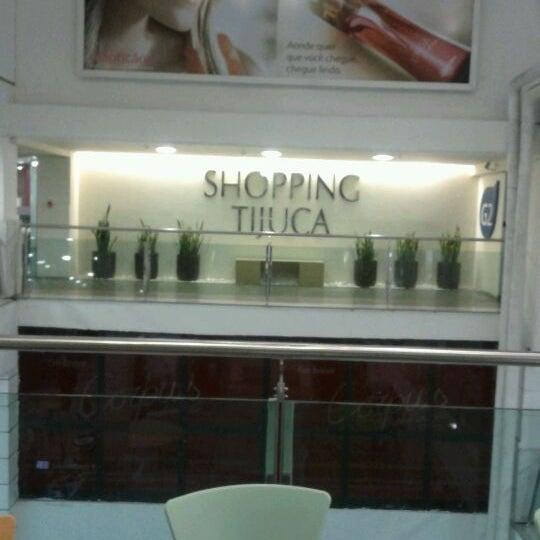 3/13/2012 tarihinde Danielle C.ziyaretçi tarafından Shopping Tijuca'de çekilen fotoğraf