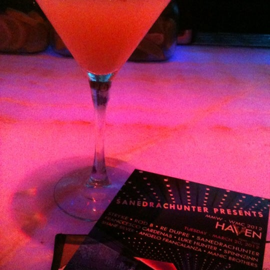 Foto tomada en HaVen Gastro-Lounge por Rachel el 3/21/2012