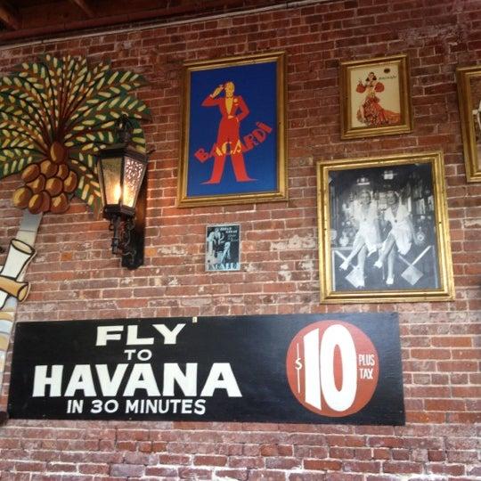 Foto diambil di El Meson de Pepe Restaurant & Bar oleh Fernando F. pada 8/8/2012