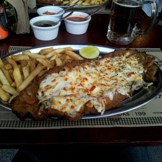 Foto tomada en Central de Pizzas por Francisco G. el 1/20/2012