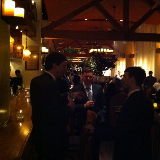 รูปภาพถ่ายที่ Kellari Taverna NY โดย Jeff H. เมื่อ 1/27/2011