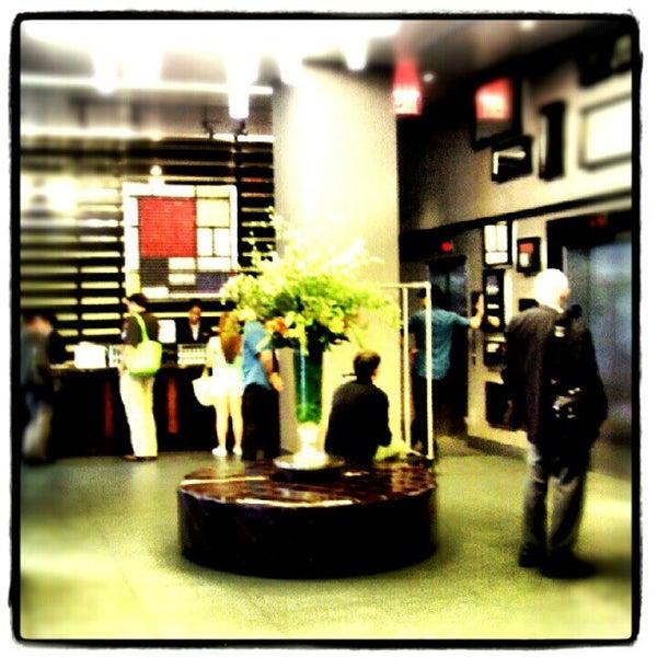 5/18/2012 tarihinde Mariana P.ziyaretçi tarafından Hilton New York Fashion District'de çekilen fotoğraf