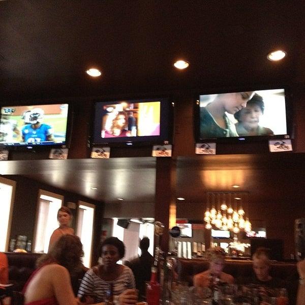 Das Foto wurde bei Redline von Liz R. am 9/9/2012 aufgenommen