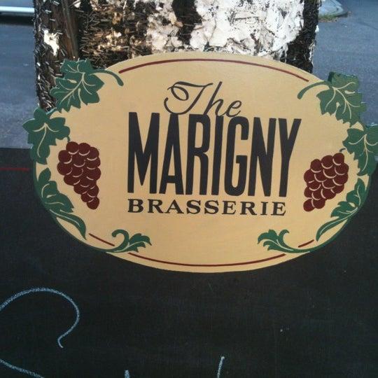 Foto tirada no(a) Marigny Brasserie por Patrice C. em 7/1/2012