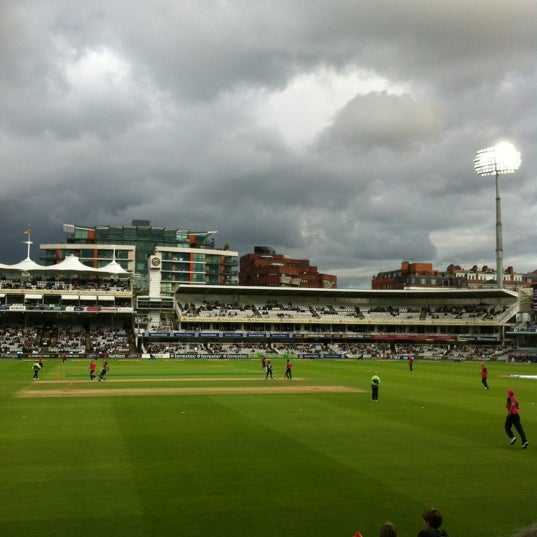 Foto tomada en Lord's Cricket Ground (MCC)  por Richard A. el 6/21/2012