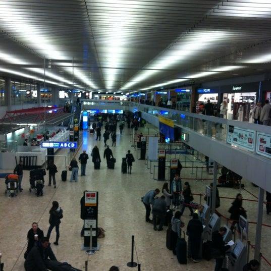 Photo prise au Aéroport de Genève Cointrin (GVA) par medcectpa le3/10/2012