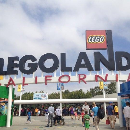 Foto tirada no(a) Legoland California por Liz em 7/24/2012