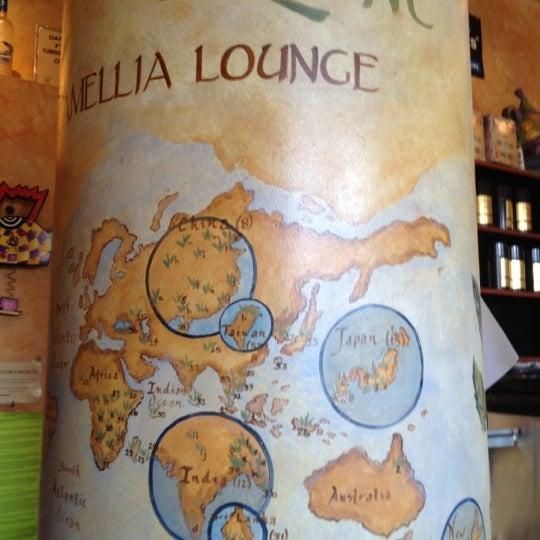 รูปภาพถ่ายที่ Tea Zone & Camellia Lounge โดย Joanne P. เมื่อ 7/6/2012