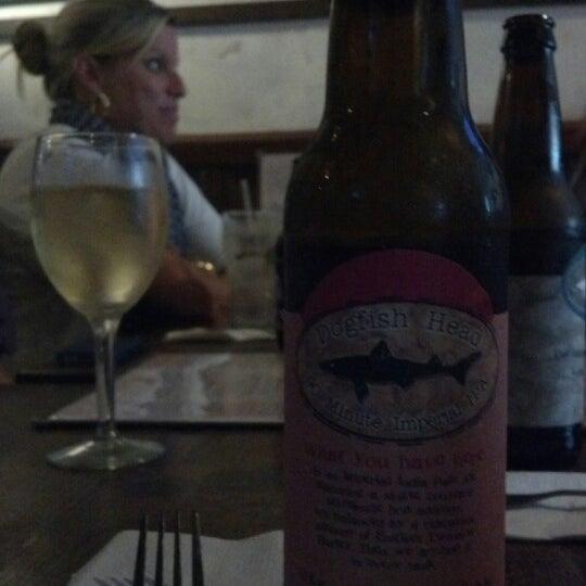 Photo prise au Mudville Restaurant & Tap House par Bentley M. le8/22/2012