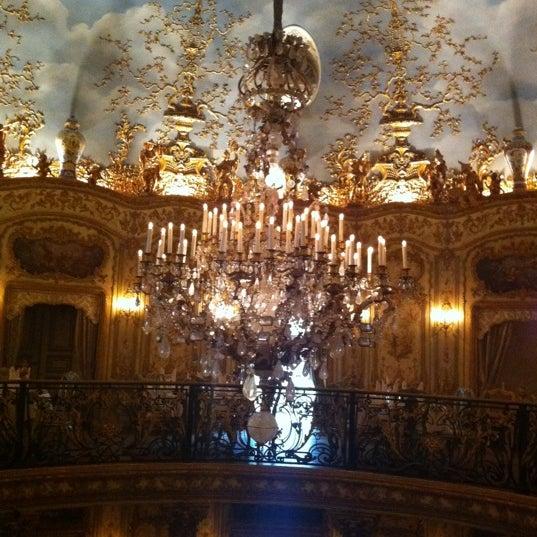 9/19/2011 tarihinde Windsor C.ziyaretçi tarafından Turandot'de çekilen fotoğraf