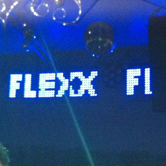 Foto diambil di Flexx Club oleh Rick B. pada 8/5/2012