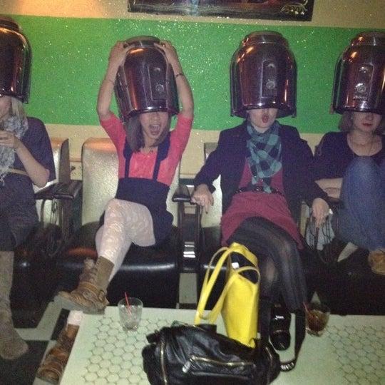 Foto diambil di Beauty Bar oleh Beata H. pada 4/10/2012