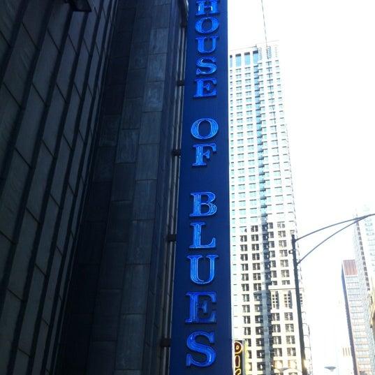 Foto diambil di House of Blues oleh Jessica R. pada 6/18/2012