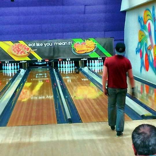 Bowling Alley In Lakewood
