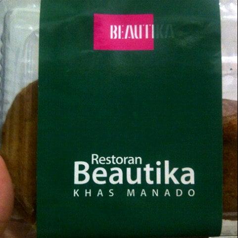 Foto diambil di Beautika oleh MiAo A. pada 8/29/2012
