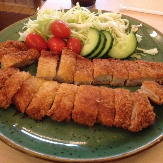 Foto scattata a Sushi-Zen da So S. il 5/14/2012