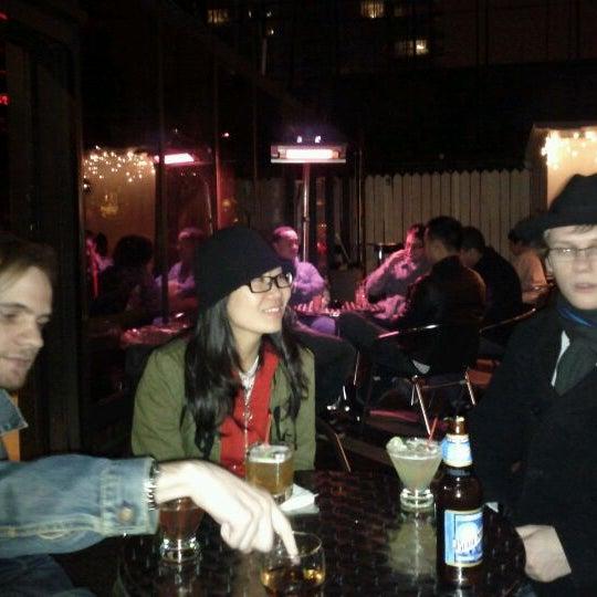 Foto diambil di VU Bar NYC oleh Laurent R. pada 10/23/2011