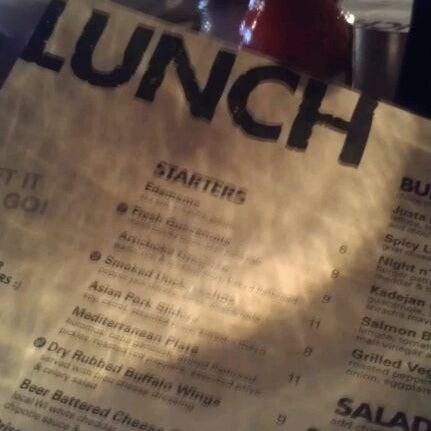 1/22/2012 tarihinde Lilduckweedziyaretçi tarafından Urban Eatery'de çekilen fotoğraf