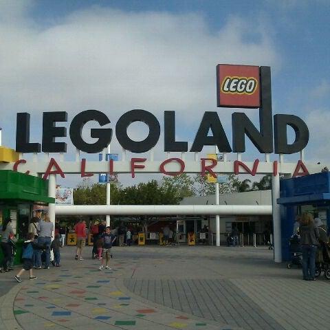 Foto tirada no(a) Legoland California por Angelica V. em 3/14/2012