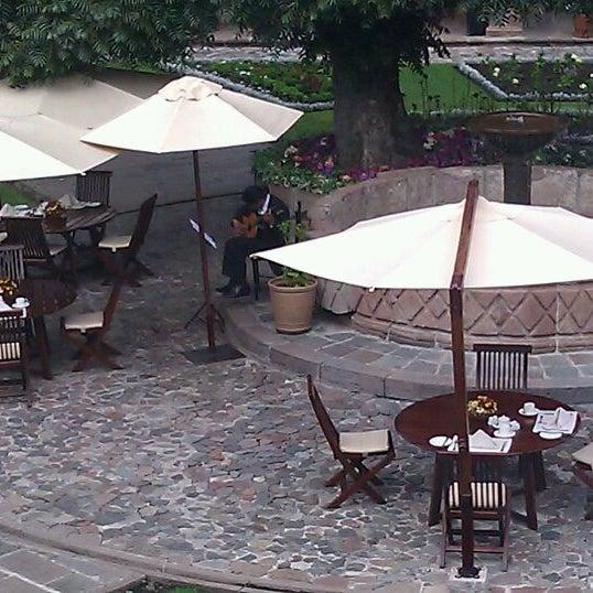 Foto diambil di Belmond Hotel Monasterio oleh Rand F. pada 9/27/2011