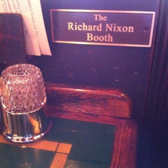 Foto tomada en Martin's Tavern por Andrea T. el 12/2/2011