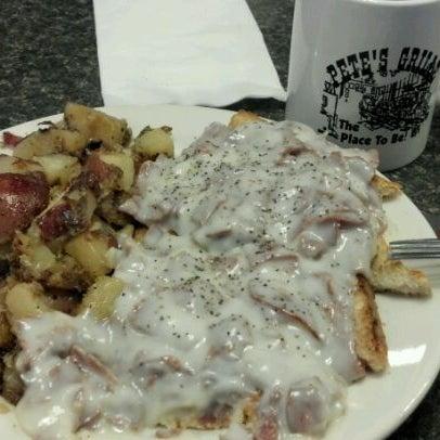 Foto tirada no(a) Pete's Grille por David M. em 11/20/2011