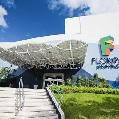 Снимок сделан в Floripa Shopping пользователем Bruno R. 8/21/2011