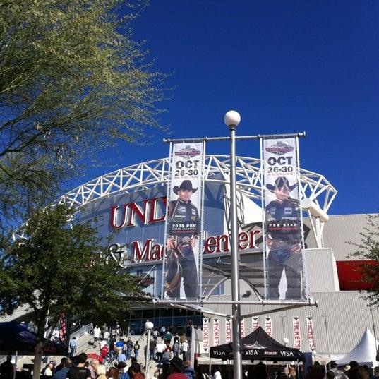 Das Foto wurde bei Thomas & Mack Center von Lisa P. am 10/30/2011 aufgenommen