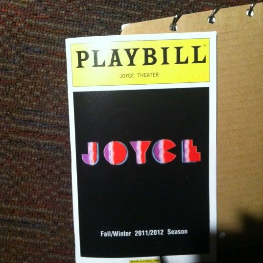 Photo prise au The Joyce Theater par Khakasa W. le12/30/2011
