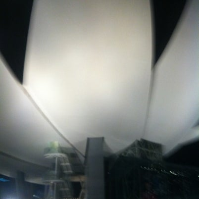Foto tomada en ArtScience Museum por Chen Z. el 8/10/2012