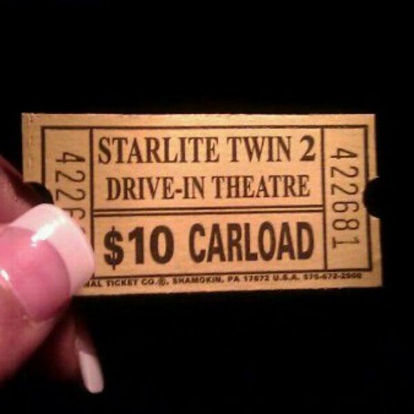 Foto tomada en Starlite Drive-In Theatre por LaShay B. el 4/12/2012