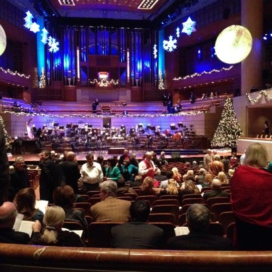 Foto tirada no(a) Morton H. Meyerson Symphony Center por Jose P. em 12/18/2011