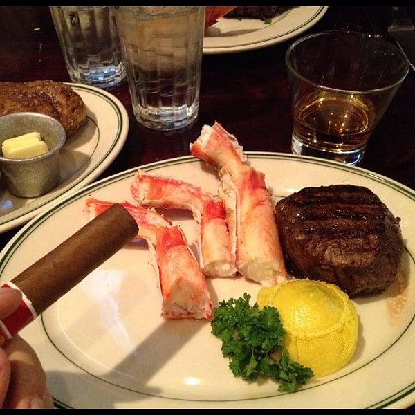 10/29/2011にSteve C.がJoe's Seafood, Prime Steak & Stone Crabで撮った写真