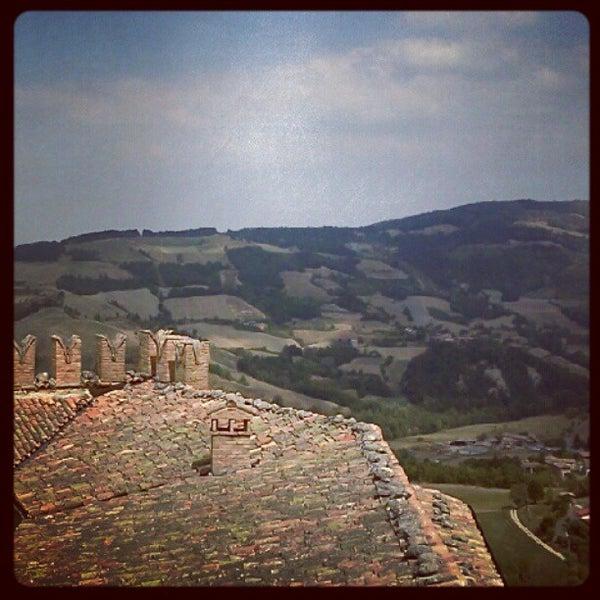 Das Foto wurde bei Castello di Zavattarello von Angelo P. am 8/15/2012 aufgenommen