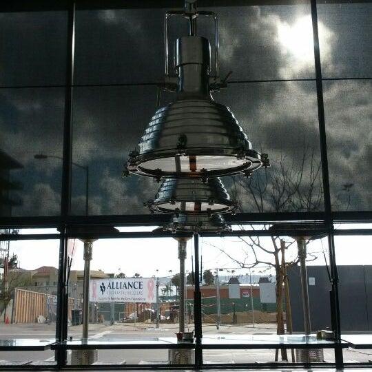 Das Foto wurde bei UnderBelly von Brian P. am 4/12/2012 aufgenommen