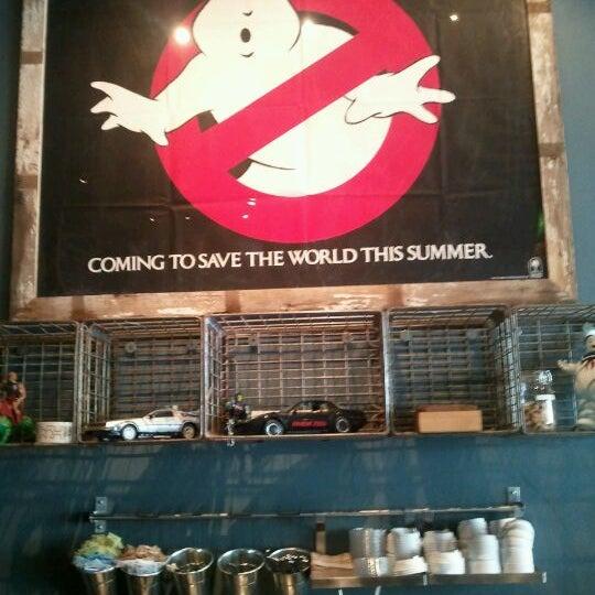 4/24/2012에 Eddie T.님이 The Wormhole Coffee에서 찍은 사진