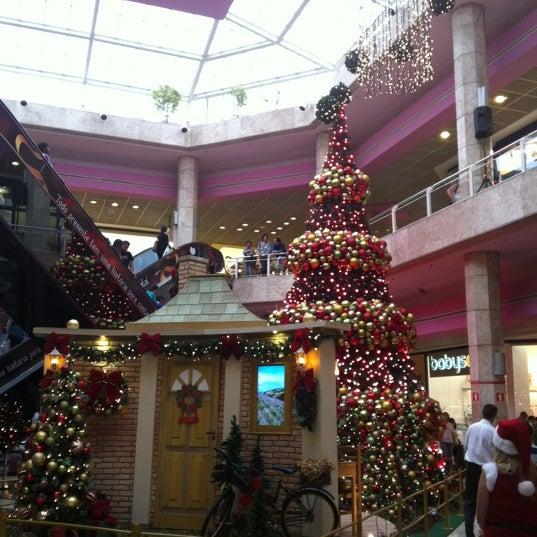 12/3/2011 tarihinde Victor H.ziyaretçi tarafından Shopping Center Penha'de çekilen fotoğraf