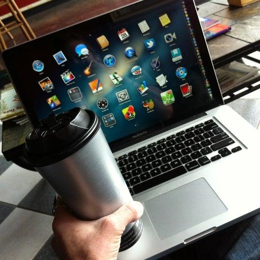 7/28/2012에 Eric Thomas C.님이 Silverbird Espresso에서 찍은 사진