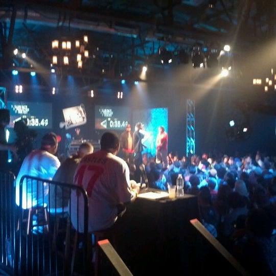 รูปภาพถ่ายที่ Warehouse Live โดย Frederick E. เมื่อ 9/9/2011