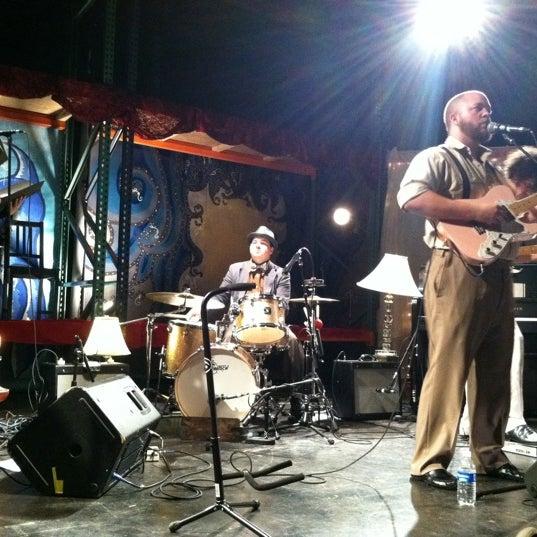 10/12/2011にKimberly H.がBootleg Bar & Theaterで撮った写真