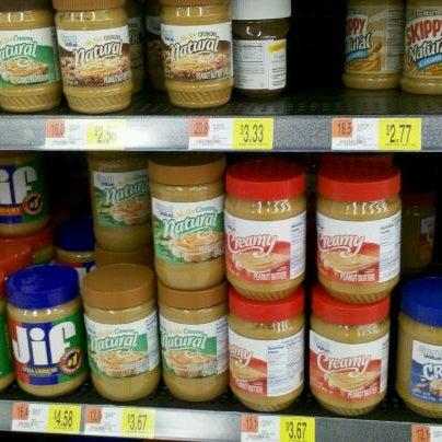 2/18/2012 tarihinde Nataliya S.ziyaretçi tarafından Walmart'de çekilen fotoğraf