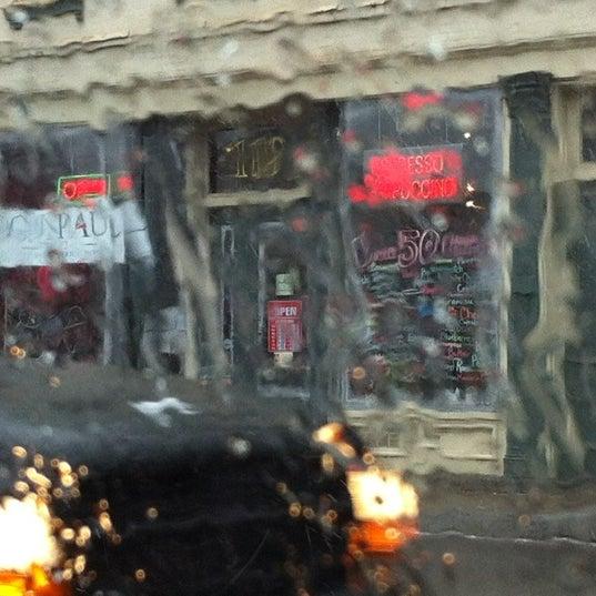 2/29/2012에 Eric Thomas C.님이 Silverbird Espresso에서 찍은 사진