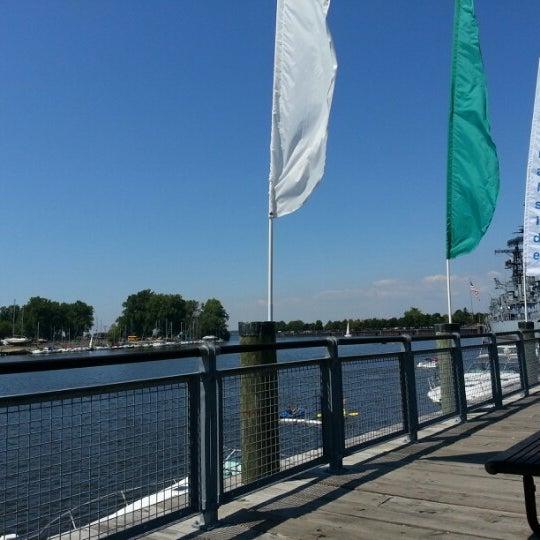 Foto diambil di Canalside oleh Dan M. pada 8/23/2012
