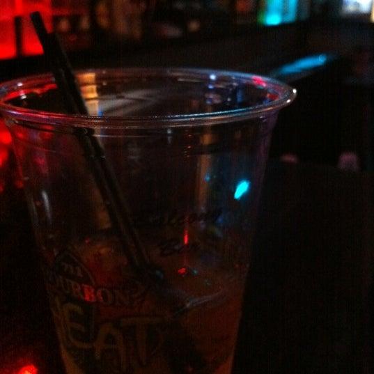 Foto tomada en Bourbon Heat por Jeremy M. el 5/17/2012