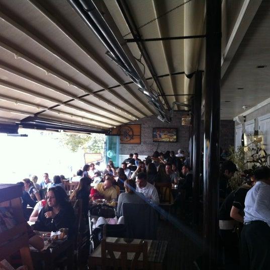 Foto tomada en Taş Kahve Cafe & Restaurant por Taş Kahve E. el 4/8/2012