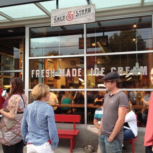 Das Foto wurde bei Salt & Straw von Alethea S. am 7/28/2012 aufgenommen