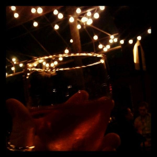 รูปภาพถ่ายที่ Pinkerton Wine Bar โดย Ashly P. เมื่อ 6/9/2012