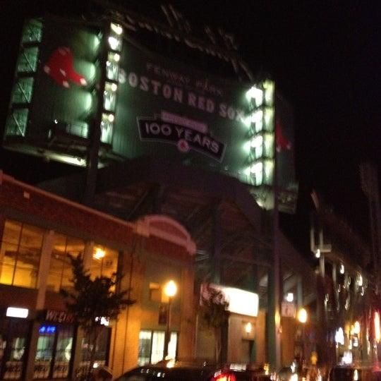 Foto diambil di House of Blues oleh Gregory W. pada 6/10/2012